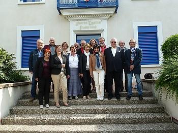 Treffen der beiden Verschwisterungskomitees vor dem Rathaus in Montmeyran